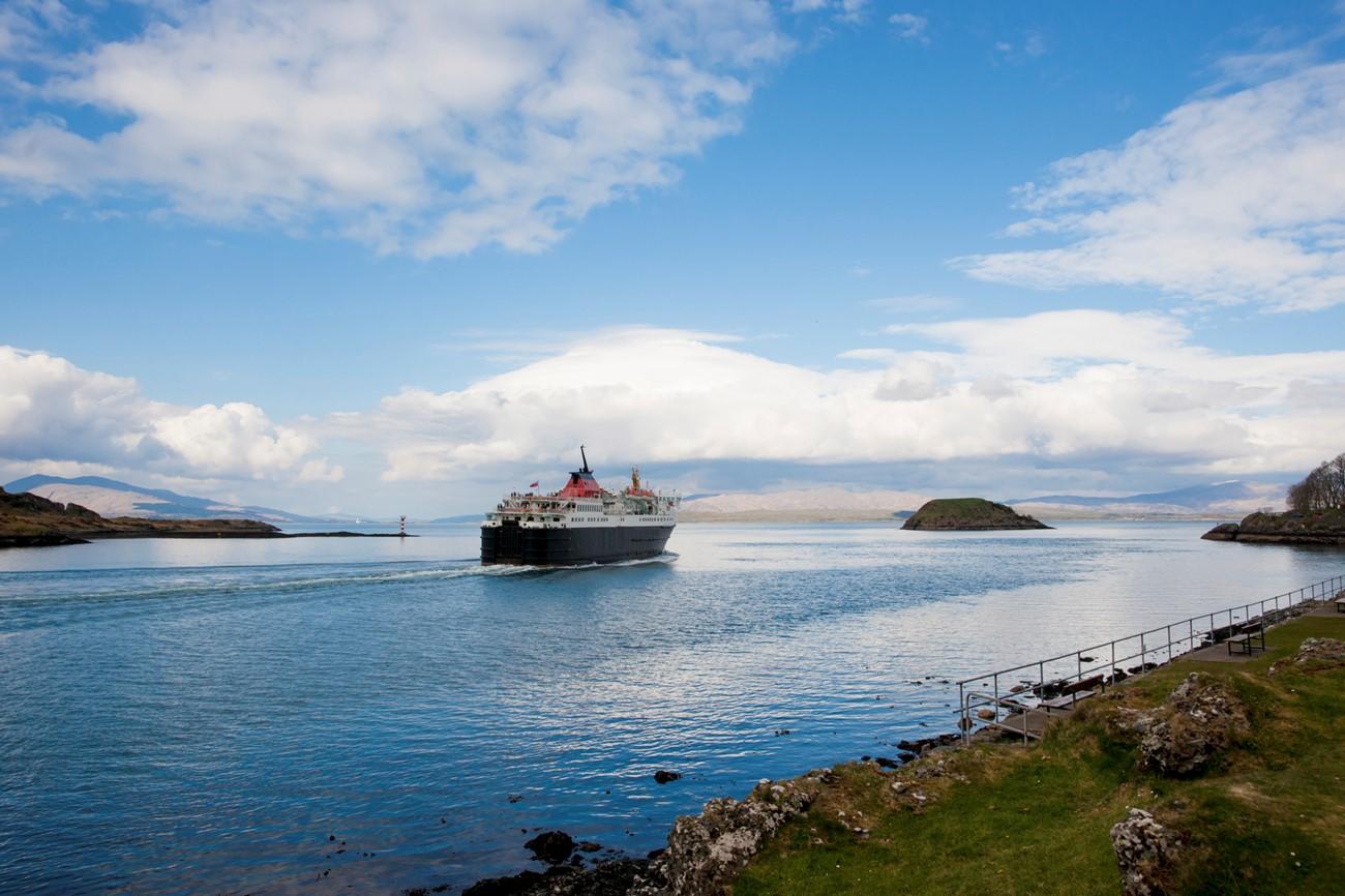 ferry to mull.jpg