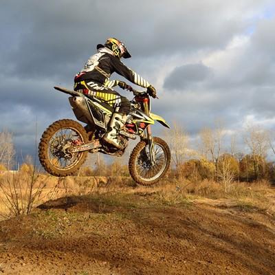 dirt-bike-209489_1280.jpg